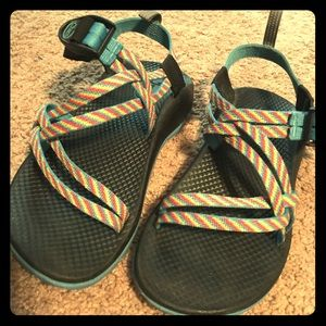 Chaco's size 4 kids or can fit a 6 women's